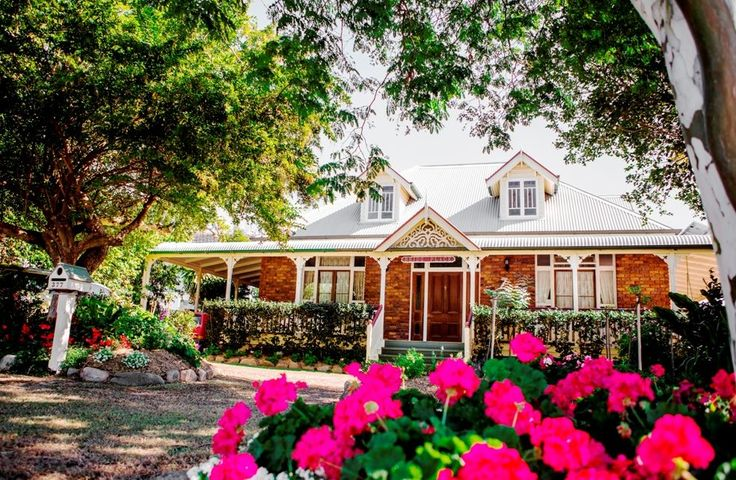Colonial home can be used for final preparation for your wedding
