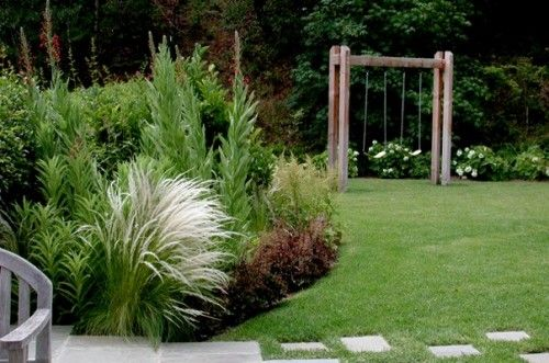 Swing setSwing Sets, Gardens Ideas, Traditional Landscapes, Gardens Swings, Kids Gardens, Landscapes Architecture, Small Yards, Backyards Gardens, Swings Sets
