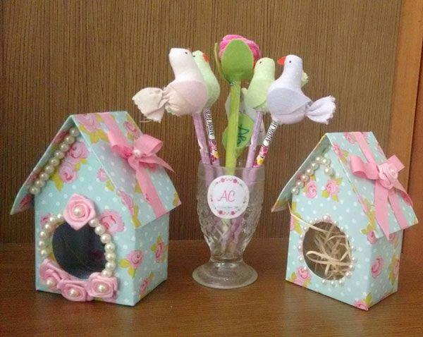 Aprenda como fazer casinha de passarinho com caixa de leite para usar na decoração da sua festa Passarinho ou Jardim Encantado!