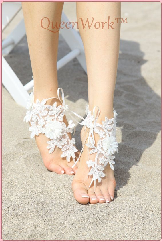 SALE White crochet barefoot sandals Beach wedding / Lace