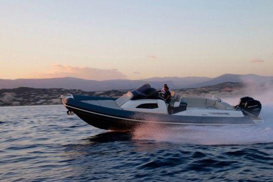 Clubman 35, le premier semi-rigide habitable de Joker Boat