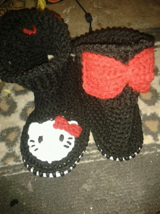 hello kitty crochet boots