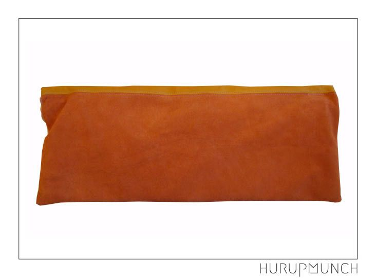 100% leather clutch bag - back. Dkk: 649,- Awailable in Beware of Limbo Dancers.