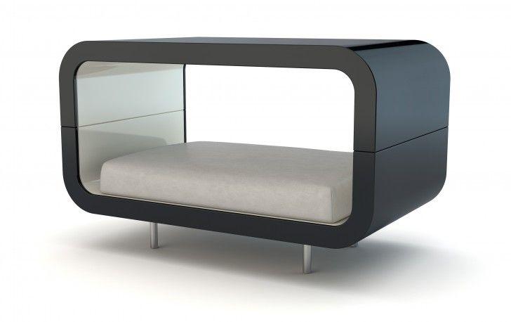 Superbe canapé pour chien ou chat en bois laqué noir ou rouge. Ce magnifique couchage se pose sur le sol ou se suspend grâce à des câbles en acier