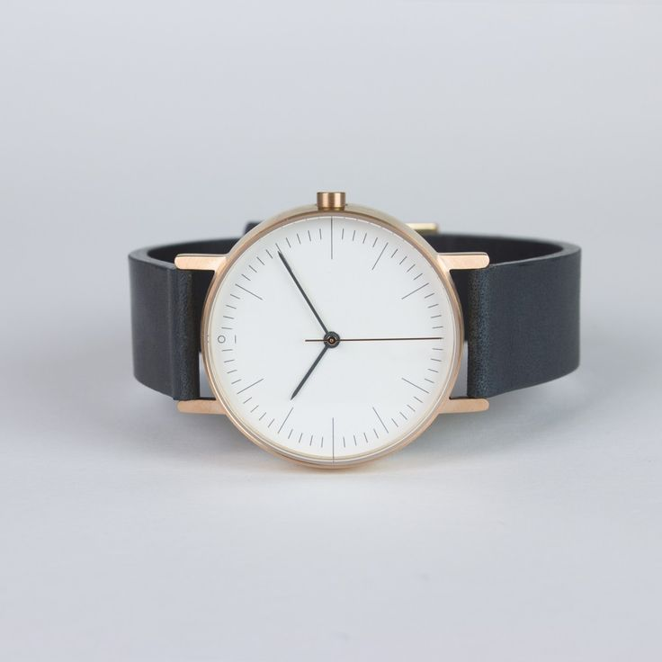Style - Minimal + Classic: Stock S002R gold with black Italian leather