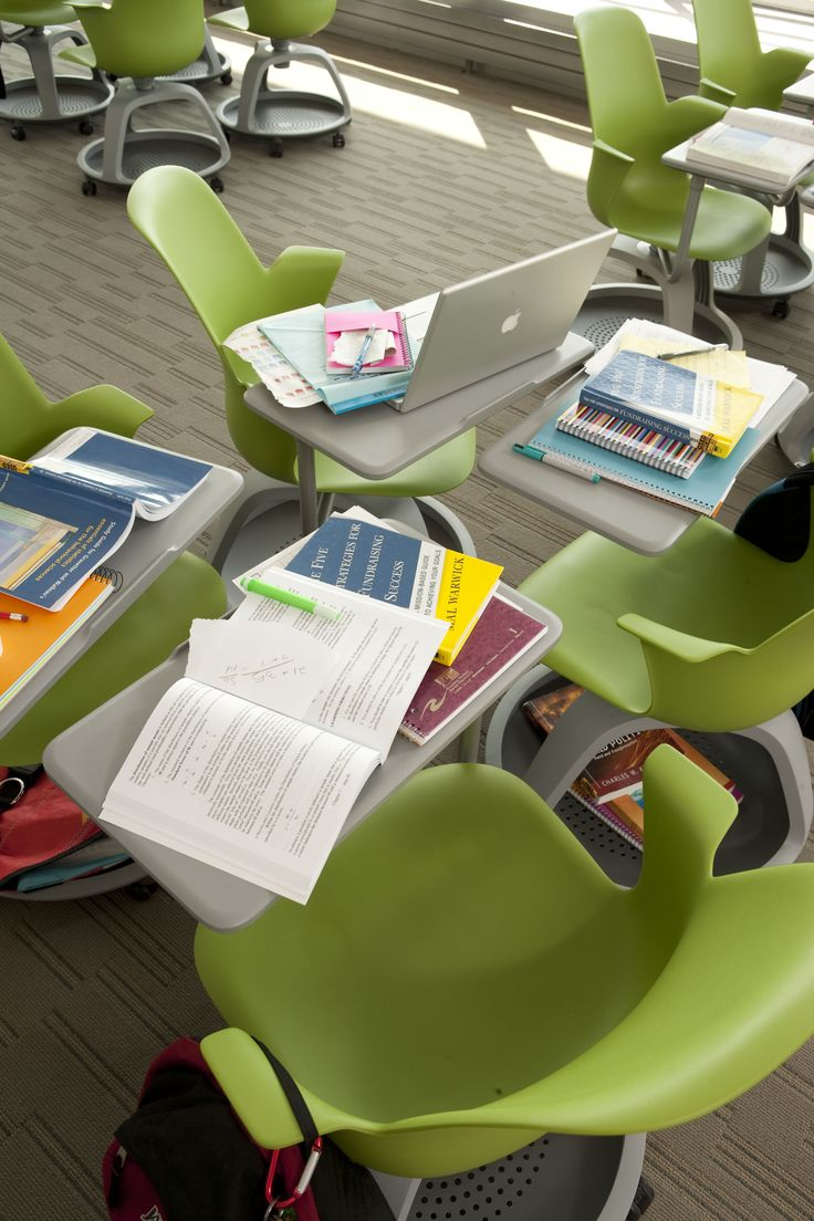 Whenreinventing the traditional classroom chair, Steelcase didn't go back to the drawing board. They went back to school and found classrooms that were static, allowing only for passive, one-way l...