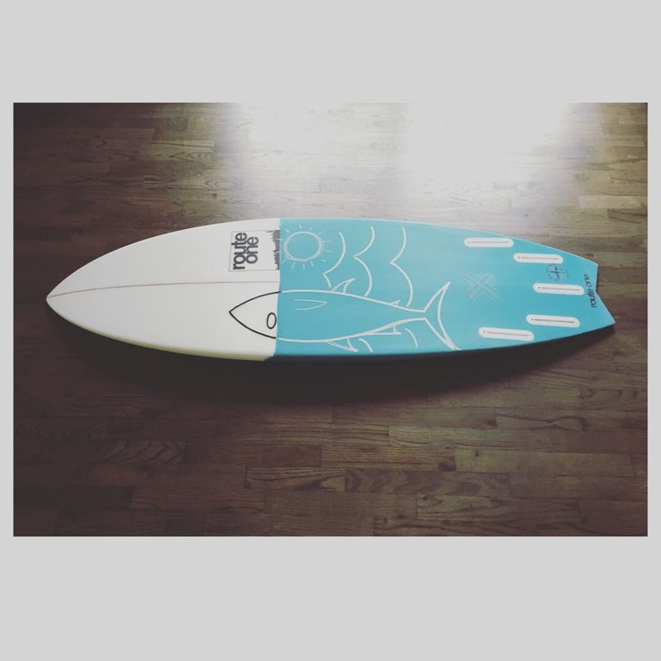 Route one surfboards 5-4 x 19 3/8 x 2 3/8 at 28 L #projectX #tunabunny 5 fin surfboard fish with turquoise resin tint and posca paint pen art hand painted epoxy glassing