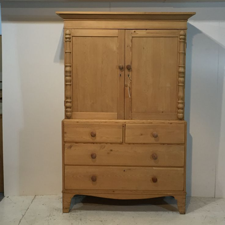 Large Victorian Pine Linen Cupboard (T7005E)