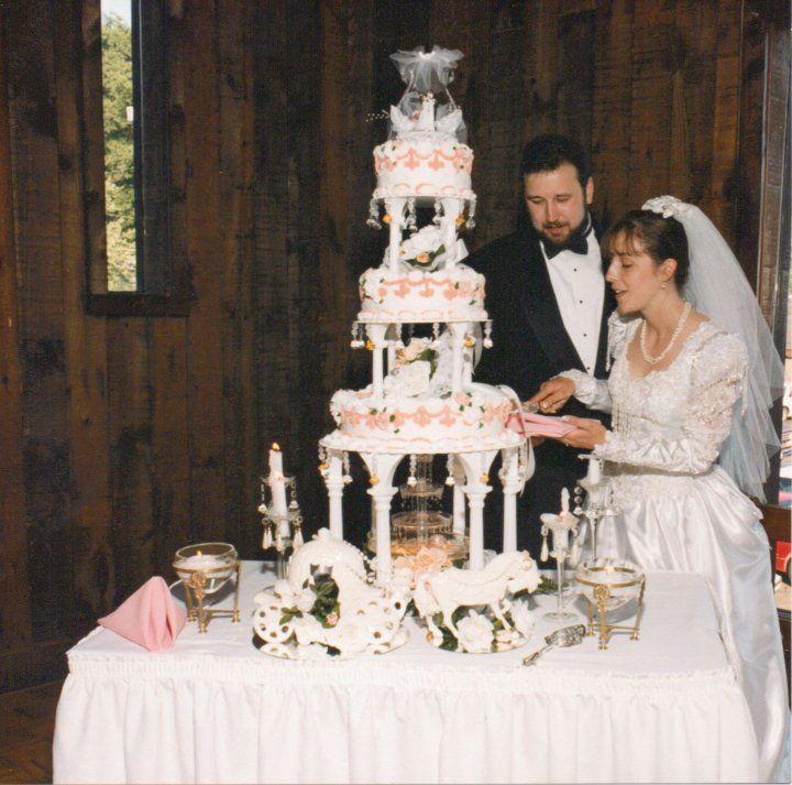 Vintage Wedding Dress 90s: 24 Best 90's Inspired Wedding Images On Pinterest