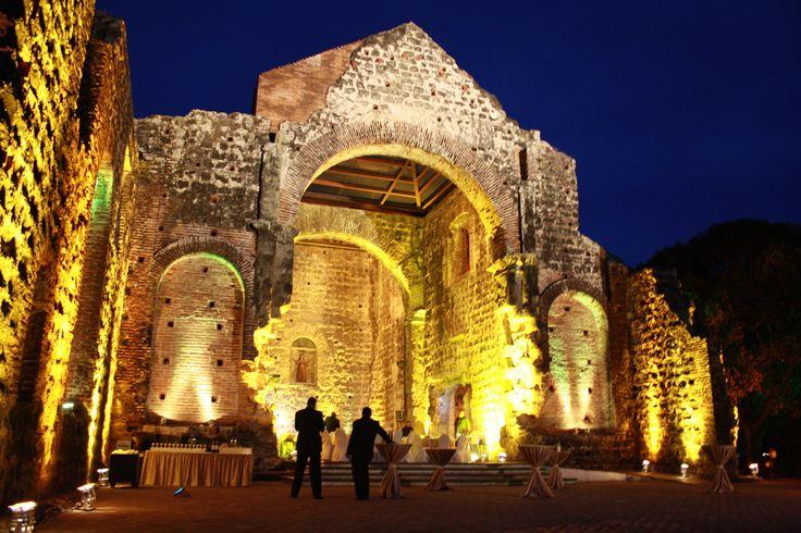 Iluminación del Convento de las Monjas, Panamá Viejo.