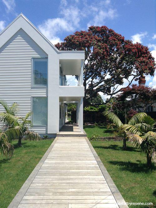 Ian and Sharon's breezy seaside scheme | Habitat by Resene