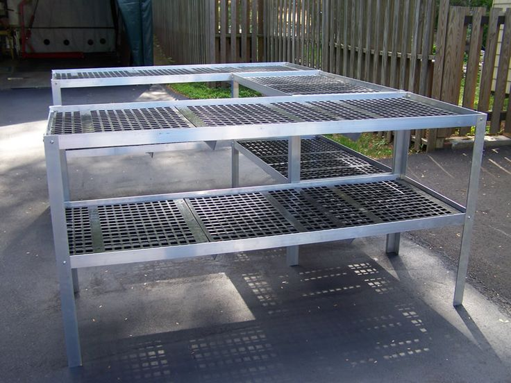 Photos of Aluminum and Plastic Greenhouse Benches