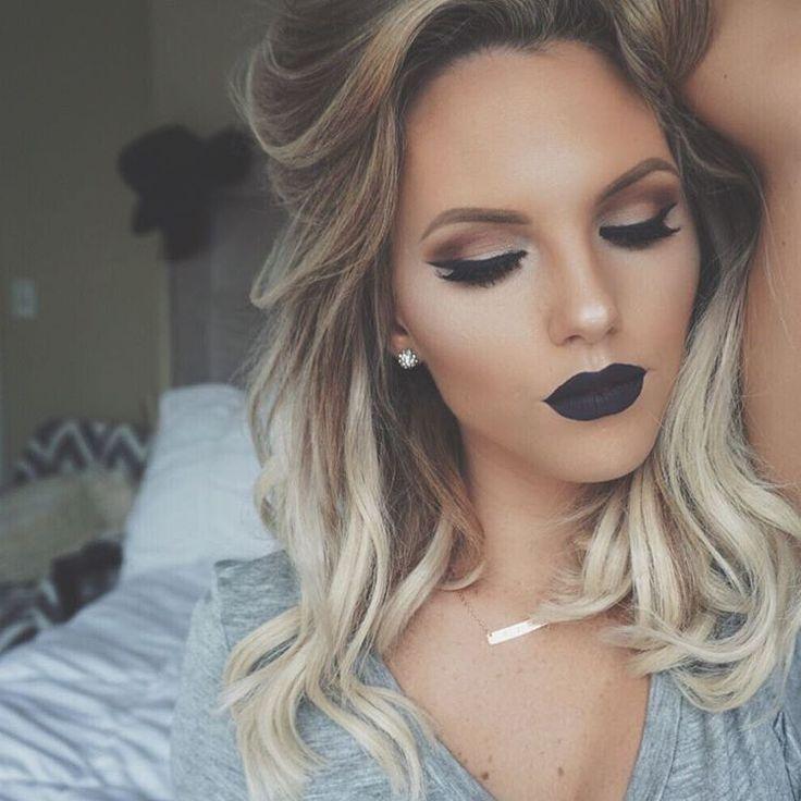 """✖️Love yourself first✖️ Crushed Pear Highlight @anastasiabeverlyhills Deranged lipstick @blackmooncosmetics Studio Fix Fluid foundation @maccosmetics…"""