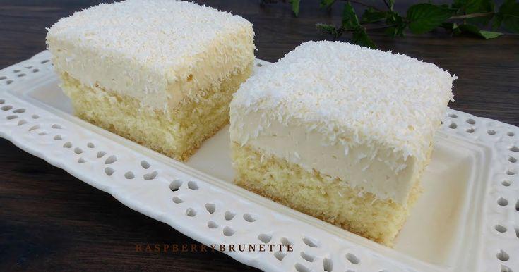 Úžasne jemná, nadýchaná, krehučká kokosová piškóta so sviežou nadstavovanou pudingovo-tvarohovou plnkou.       cesto:   2 vajcia   1 a 1...