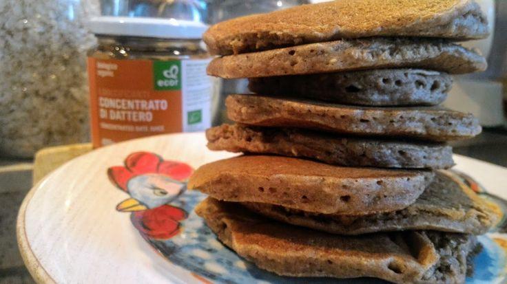 Pancake integrali coi fiocchi e concentrato di datteri home-made | Vegan blog - Ricette Vegan - Vegane - Cruelty Free