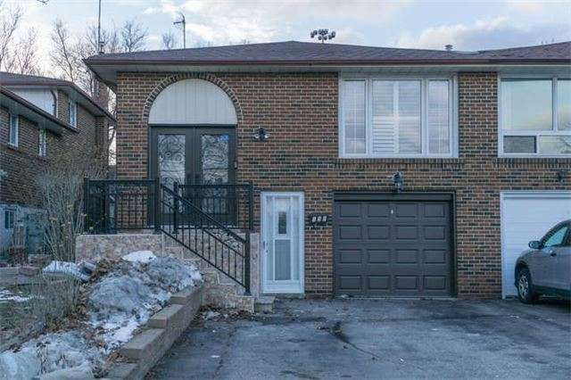 Fab 5 Level Back Split In Desirable Location Minutes To The Seneca College, 401, 404 Don Valley & 407. 100K In Reno's. Fab 6 Bedrooms 3 Full Washrooms On Private 150 Ft Lot + Stunning Reno Kitchen With S/S Appliances Ceramic Floors, French Doors, Granite Counters And Eat-In Area. Hardwood Flrs, Replaced Windows & Doors, New Roof, Furnace And A/C. Sept Entrance To 2 Bedroom Apt. Shared Laundry, Parking For 3 Cars + Garage Space, Covered Patio Area.