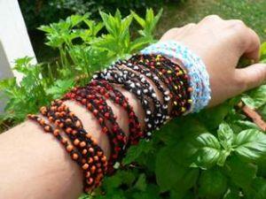 Armband med luftmaskor och pärlor
