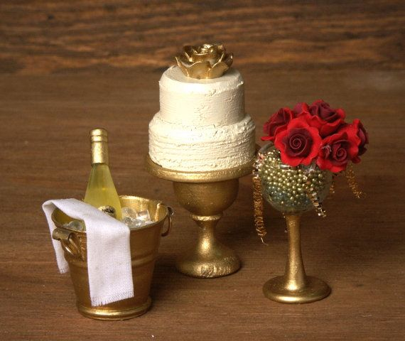 Noble Miniature Rose Bouquet in a Glass for your by DinkyWorld