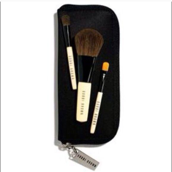 Bobbi Brown brush set Brand new Bobbi Brown brush set. Travel bag included. Bobbi Brown Makeup Brushes & Tools