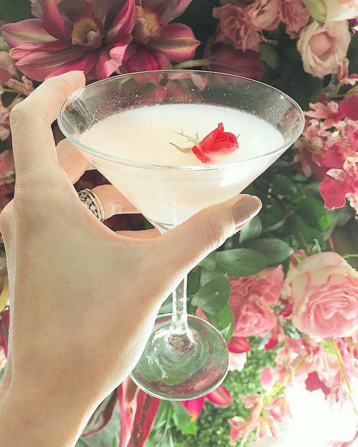 Cheers! Minha bebida preferida { martini de lichia } com detalhe fofo