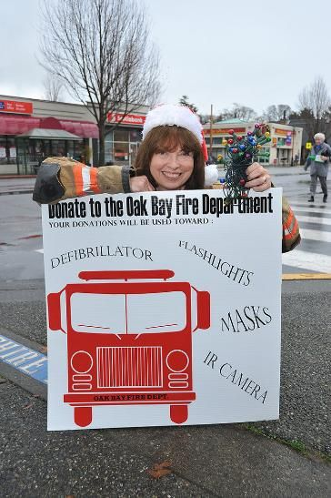 Nov 2013 : The Oak Bay Fire Department has a wish list and a local business, Athlone Travel, has asked Santa to make it come true.