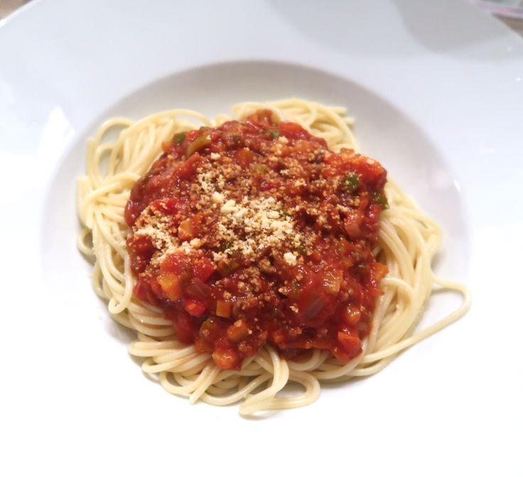 Het beroemde Pasta Bolognese met olijven recept van mijn man Yannick! AANRADER!