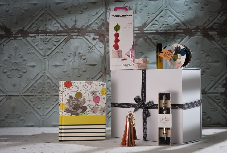 Our 'Let's Get Organised Hamper' will make a beautiful gift or a well deserved treat for yourself. You can even add a little more of a personal touch to the hamper by choosing from a choice of notebooks and marshmallow flavours. Find out more about what is inside here - https://carabellagifts.com/shop/lets-get-organised-hamper/