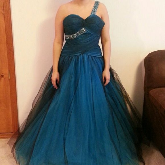 Stunning prom dress Royal blue with black/royal blue lace over lay beautiful prom dress. The back zips up made by joli prom Dresses Prom