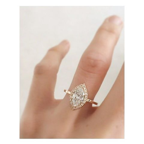 Good morning This stunning engagement ring is by @nataliemariejewellery  #nwweddingrings