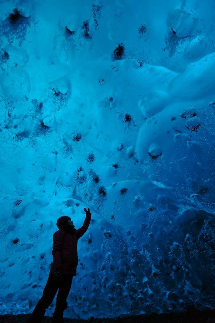 Breiðamerkurjökull Crystal Cave - Largest Ice Cave in Iceland is located in Skaftafell National Park on Vatnajokull Glacier // http://localadventurer.com
