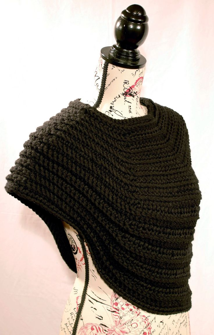 Ravelry: Half Body Cowl pattern by Thomasina Cummings Designs #tcdesignsuk #crochetpattern #handmade #crochet #mmmakers