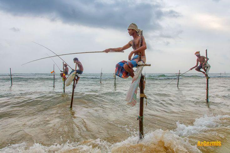 Galle, Sri Lanka'da Sırık Balıkçıları  Galle kenti Sri Lanka'nın başkenti Colombo'ya 120 km mesafede, adanın güney batı ucunda yer alan bir şehir. Sri Lanka seyahati sırasında bizim buraya uğramaktaki amacımız özellikle ünlü Magnum fotoğrafçısı Steve McCurry'nin balıkçılar fotoğrafındaki gibi manzaralar yakalayabilmekti. Galle, Sri Lanka'da sırık balıkçıları bulabileceğiniz en iyi mekanlardan biri; ama sadece bununla da sınırlı değil...