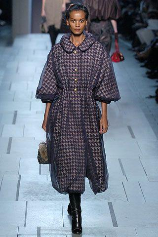Louis Vuitton Fall 2005 RTW - Runway Photos - Vogue