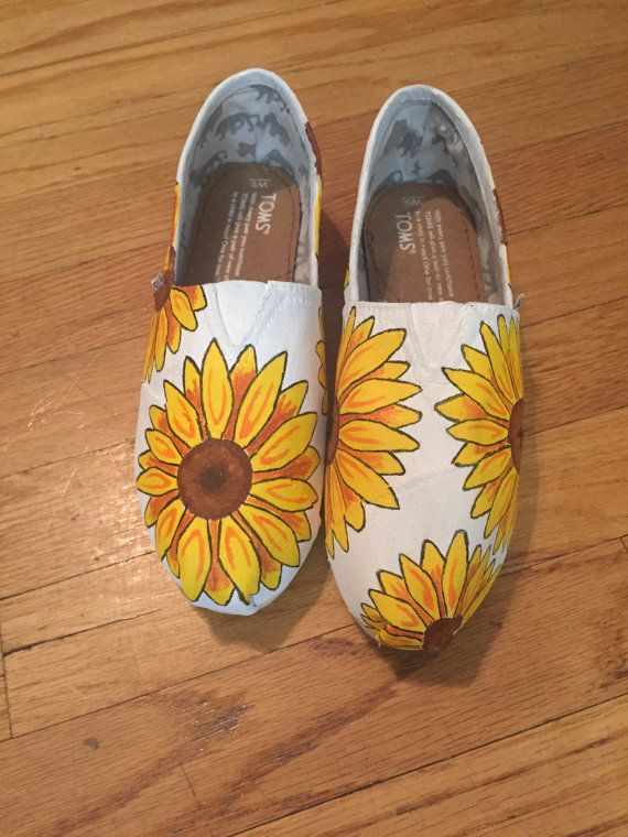 Sunflower Toms sunflower shoes Hippie Toms. by ButterMakesMeHappy