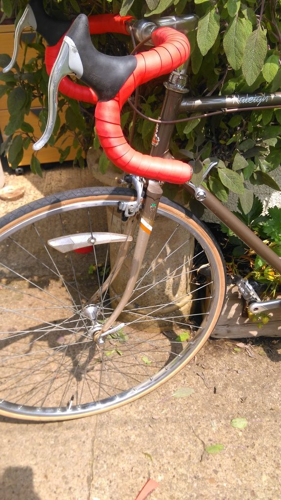 1987 Raleigh Record Ace Bar tape and brake levers fitted