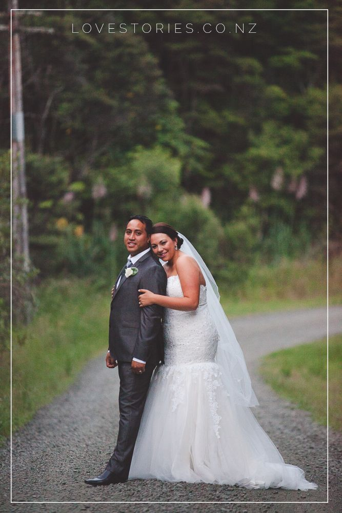 Beautiful husband and wife shot out in Waitakere on their epic driveway which is more like a road! Hugging it up and being all stoked on marriage x