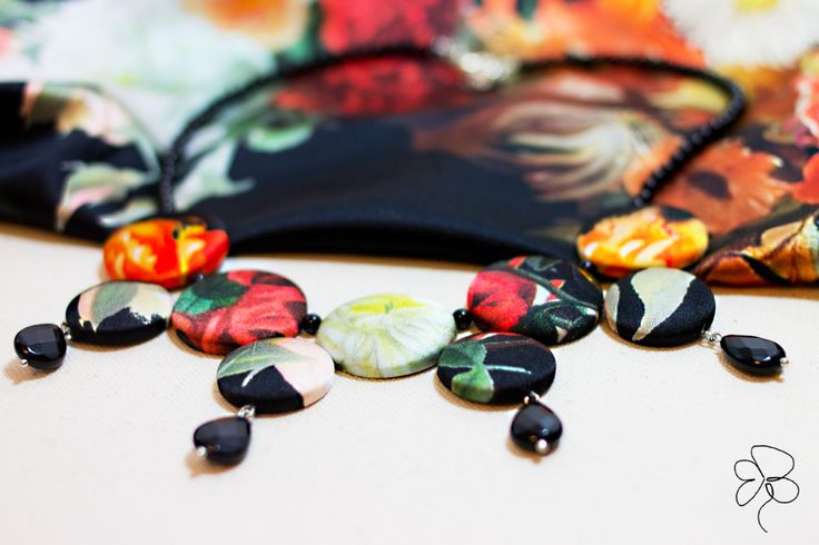 Necklace in silk and black onyx