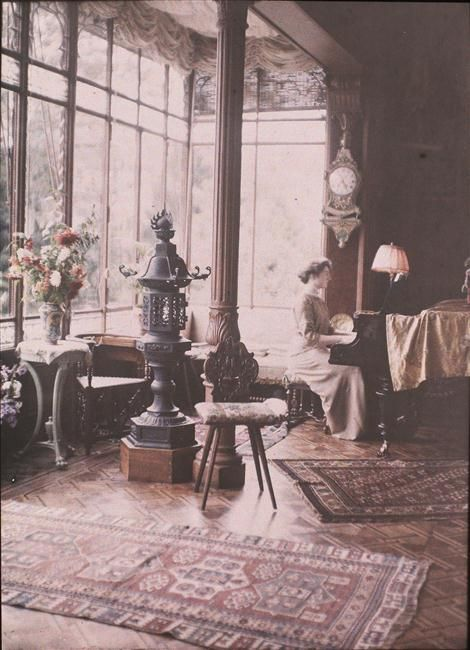 Autochrome: Anonymous. Vevey, Claire Villa, inside the Villa. 1910. Musée d'Orsay.