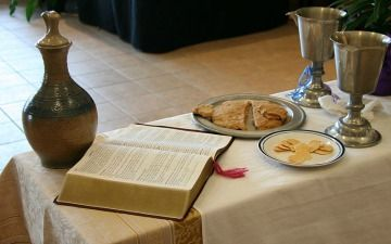 """What Is """"Proper Matter"""" for the Bread in United Methodist Celebrations of Holy Communion?"""