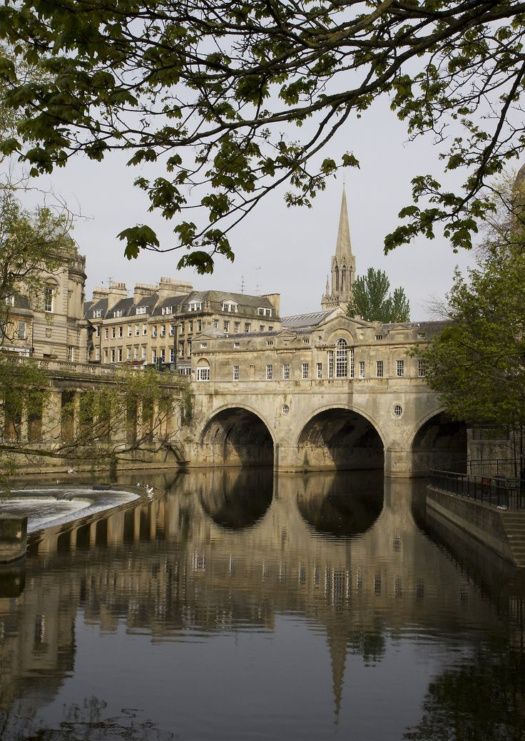 travelingcolors:  Pulteney Bridge, Bath | England (by Michael Maggs)