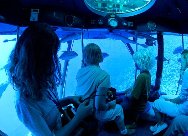 science submarine interior - Google Search | Sci fi ...