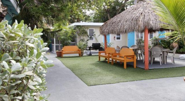 Seashell Motel and International Hostel - 2 Star #Hostels - $44 - #Hotels #UnitedStatesofAmerica #KeyWest http://www.justigo.com/hotels/united-states-of-america/key-west/seashell-motel-and-international-hostel_95422.html