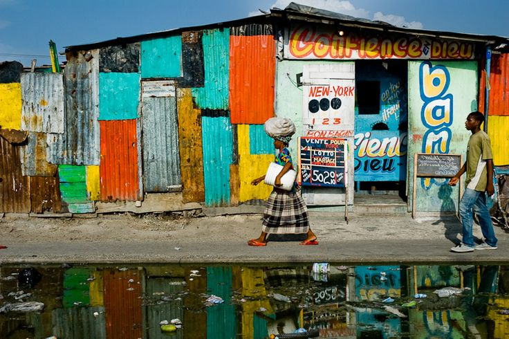 Women of the La Saline Market La Saline, Port-au-Prince, Haiti – July 2008