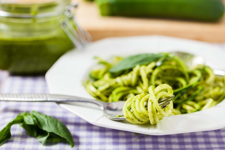 Cashew basil pesto with courgetti (spaghetti made of courgettes) #eatingwell