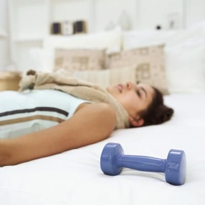 Exercises While in Bed From a Broken Ankle