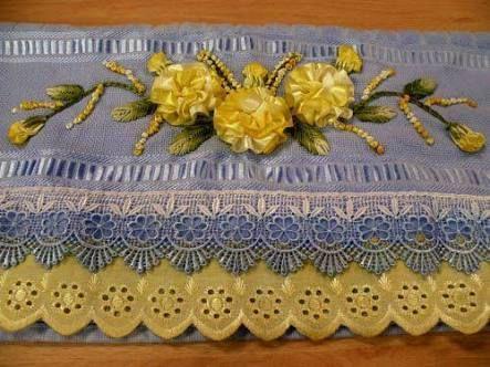 Resultado de imagem para toalhas bordadas com fitas de cetim