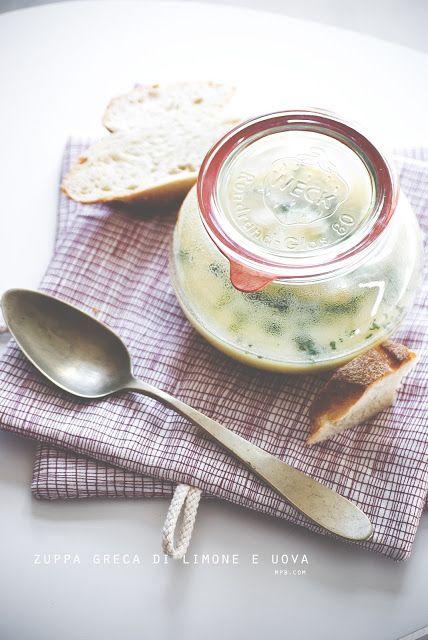 Mon petit Bistro: griechische Suppe mit Reis, Eier und Zitrone