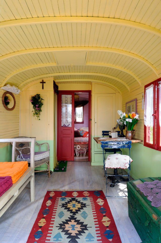 25 best ideas about caravan interiors on pinterest for Interior caravan designs