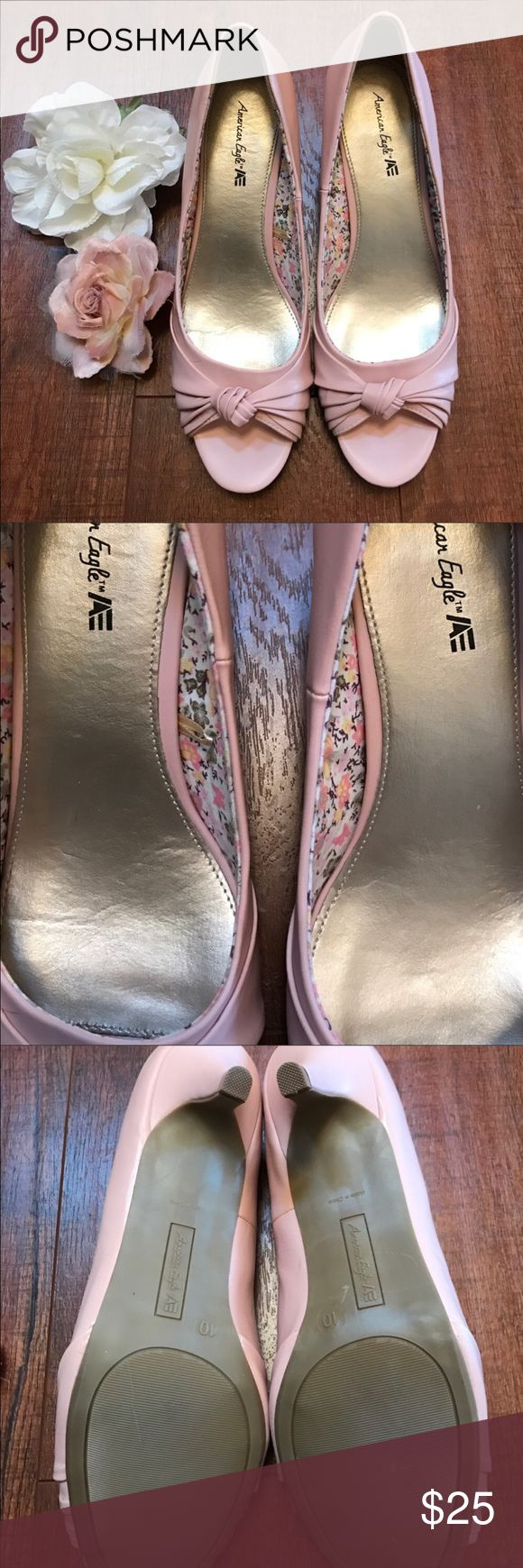 """✨American Eagle Pink Heels✨ 💖Adorable Pink Heels from American Eagle💖 Size 10✨Cute Floral Interior Design🌸✨Purchased NWOT from another Posher, just to go with my bridesmaids dress✨Only worn for a few hours for the wedding✨Still in Great Condition!💖 Heel is about 2""""-3"""", not too tall✨Perfect for taller ladies that still like to wear heels✨Open toe &Beautiful Bow Design🎀 Too cute to just sit in my closet!✨ Add to a Bundle🛍 Always open to offers🤗💖✨ American Eagle By Payless Shoes Heels"""