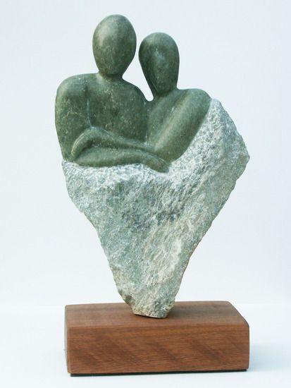 Beeldhouwen- een vorm in model brengen door materiaal bijvoorbeeld steen of hout weg te halen.